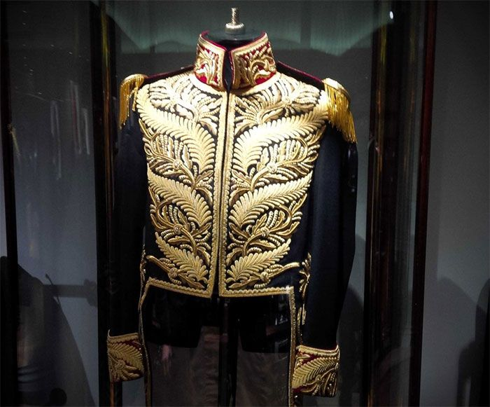 Free event at Gieves & Hawkes features iconic Michael Jackson suit